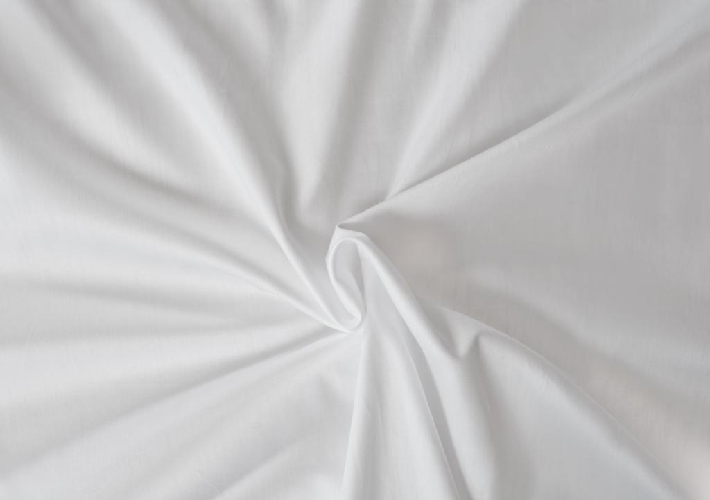 Bílé saténové prostěradlo LUXURY COLLECTION Kvalitex