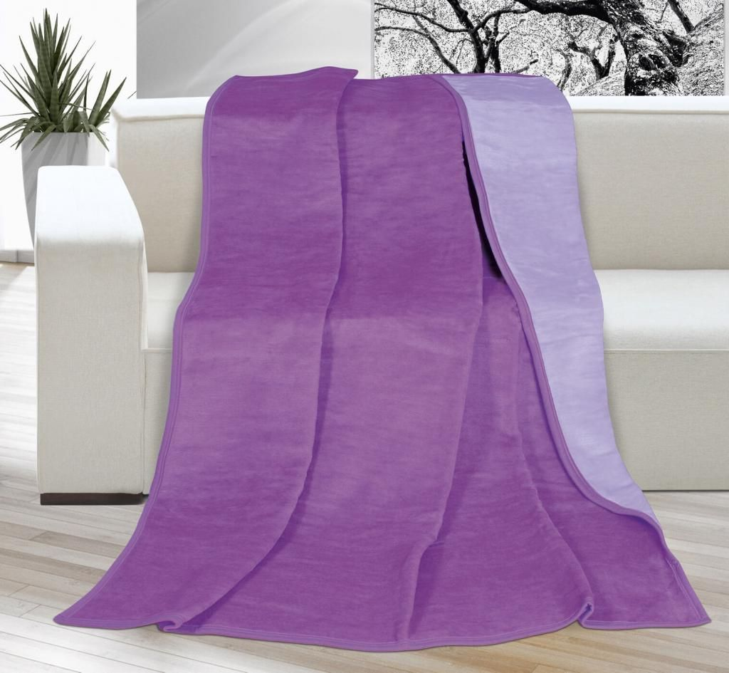 Pěkná jednobarevná deka ve fialovém odstínu