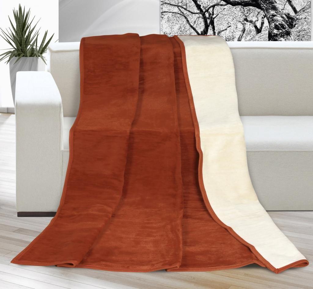 Pěkná jednobarevná deka v oříškově-béžové kombinaci