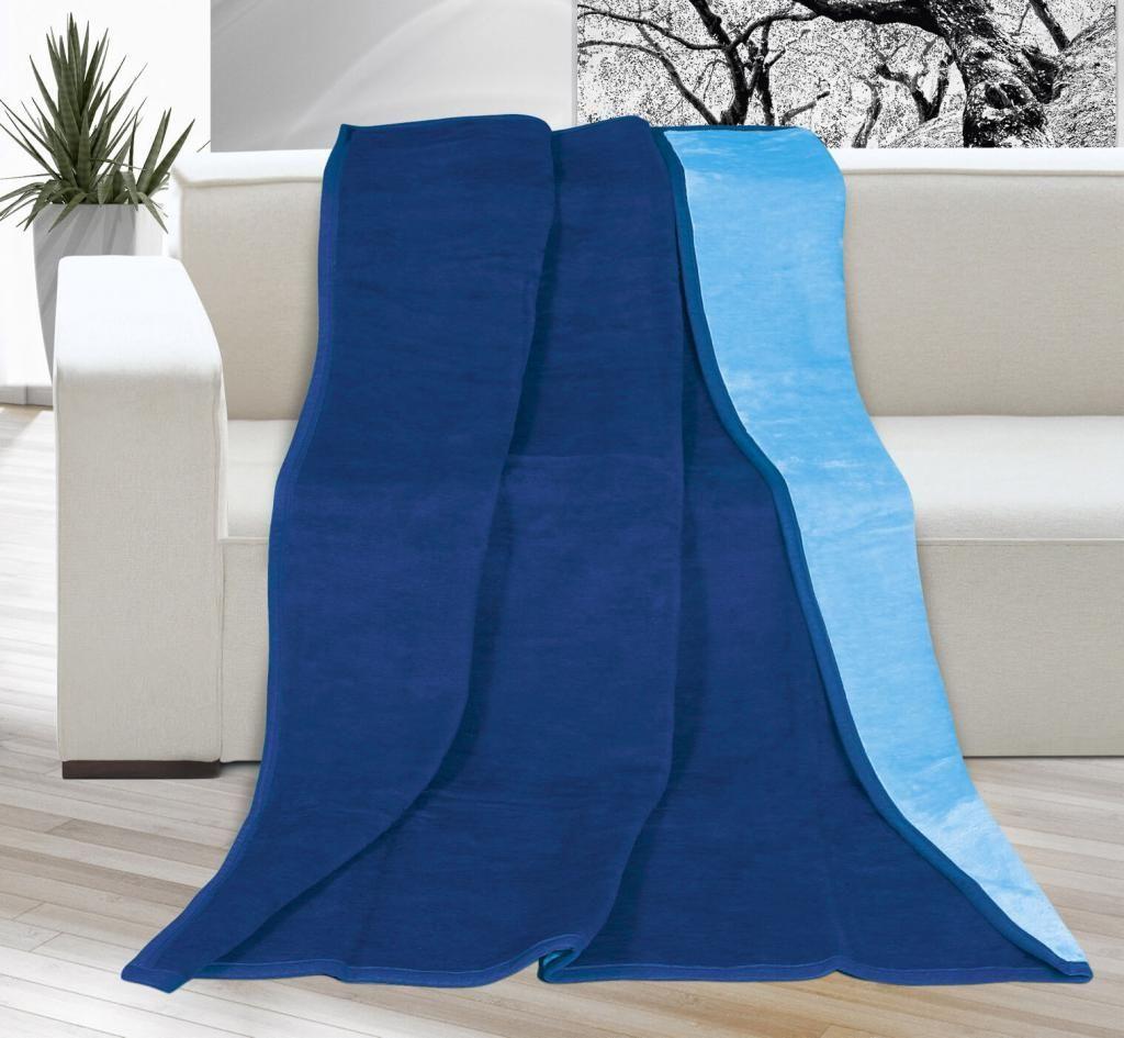 Pěkná jednobarevná deka v odstínech modré barvy